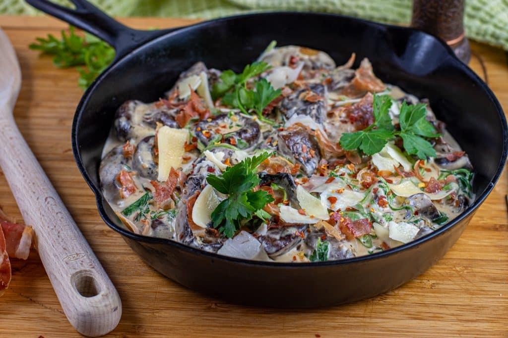 Creamy Parmesan & Prosciutto Mushrooms